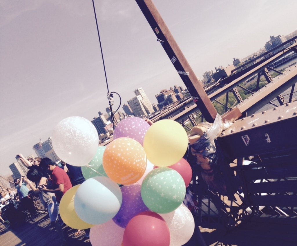 Step2 Balloons on the Bridge